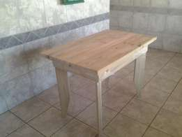 Table solid pine