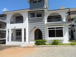 Executive 4 bedroom villa in shared compound of 4 tenants, Nyali