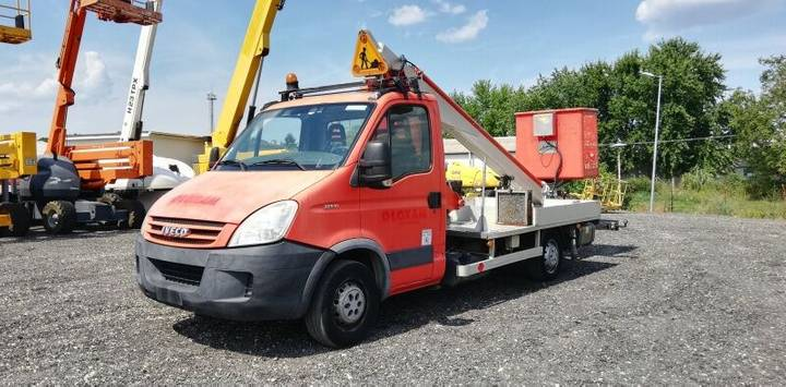 Iveco Daily Multitel 160 ALU DS - 16m - 2019