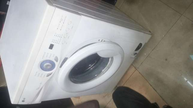Washing machine lg Nairobi CBD - image 3