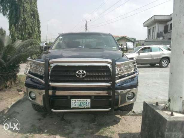 ADORABLE MOTORS: A clean, well used 08 Toyota Thundra Lagos Mainland - image 2