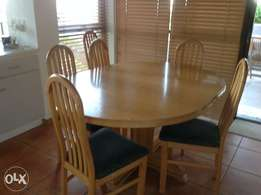 Oval oak table, 6 chairs