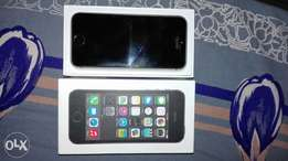 iPhone 5s excilant condition with box to sale