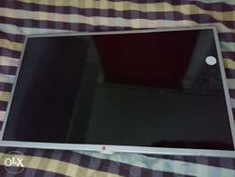LG smart TV 32 inch in mint condition