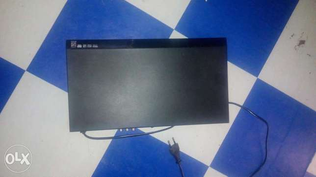 Dvd player and mid woofer speakers Nairobi CBD - image 2