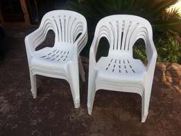 8 x White Plastic Patio Chairs