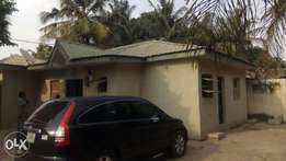 TO LET , 3 bedroom flats of self compound at Bodija area, Aree Ibadan.