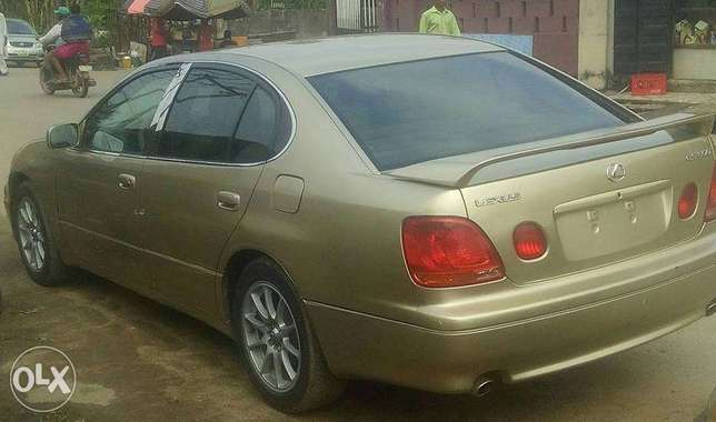 CLEAN Tokunbo GS300 00, automatic, leather interior for N1.950m Surulere - image 3