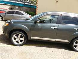 Extremely clean 4wd Mitsubishi Outlander 7seater
