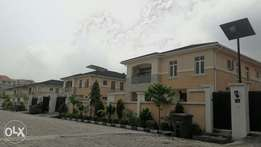 4 bedroom detached duplex in VI