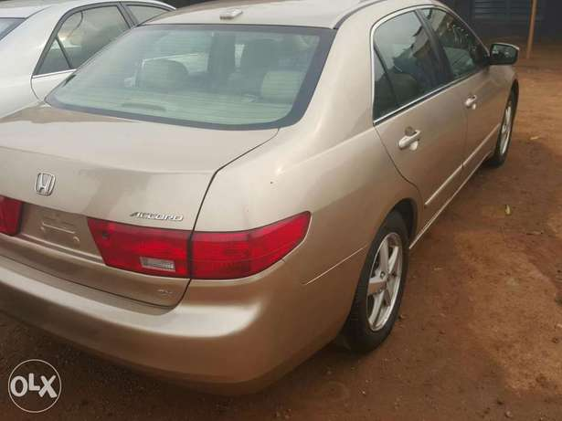 Tincan cleared 2005 Honda Accord EX-L gold colour Lagos Mainland - image 5