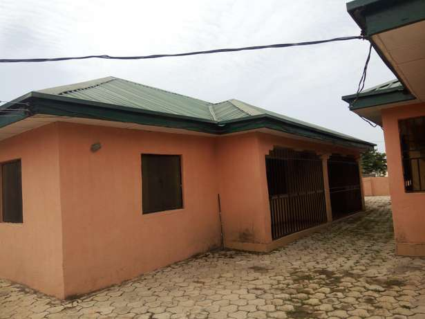 1,3 unit of 3 and 2 bedroom Bungalow at Fha Lugbe Lugbe - image 1