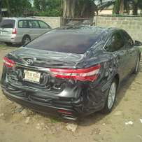 Tokunbo Toyota Avalon, 2014, Full-Option. Very OK