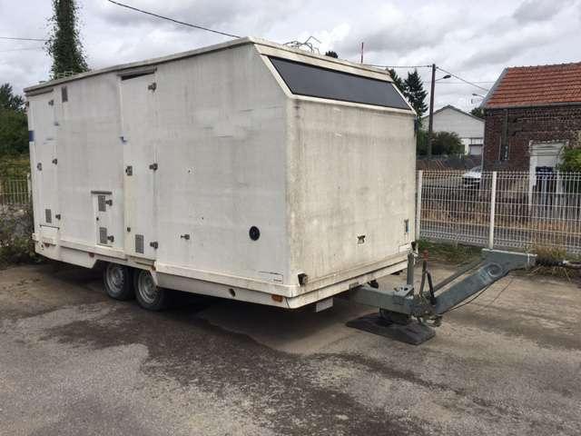 JCR 2 essieux - vestiaire - WC
