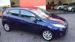 Ford Fiesta 1.6i Trend(2012)Very Neat-All the luxuries-Service History