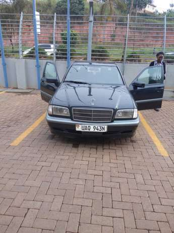 Mercedes Benz for quick sale Kampala - image 2