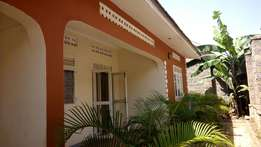 2 bedrooms, 2 bathrooms 3 in a fence in kireka at 600k