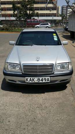 Mercedes C180 manual gear Nairobi CBD - image 1