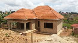 Unfinished house in kira nsasa on sell