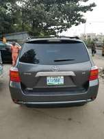 08 Toyota Highlander (Xtremely Clean)