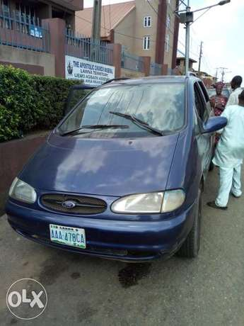 Ford for sale 3 sitters Abeokuta South - image 2