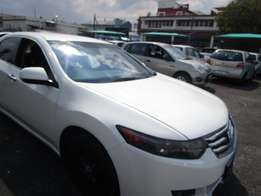 2009 HONDA ACCORD ,4 doors,factory a/c,cd player,central locking
