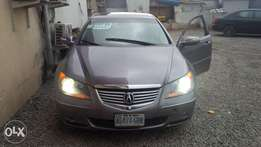 Registered neatly used 07 Acura RL