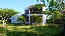 2 bedroom villa Diani with large mature garden on own compound
