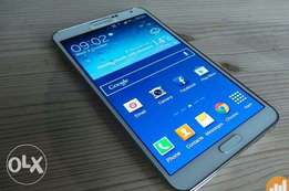 Samsung Note 3, 5.7inches, stylus,13mp cam