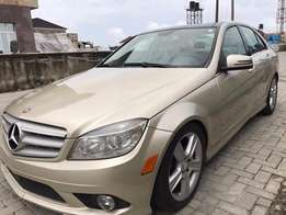 Super clean Mercedes Benz 2010 for sale