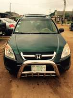 Super clean Nigeria used Honda CR-V 2003 model.