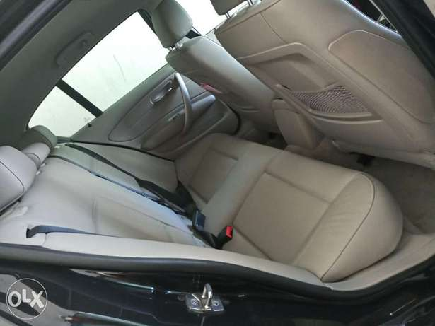 BMW 116i with leather seats Mombasa Island - image 4