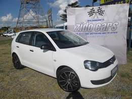 "vw polo vivo 1.4i with 17"" mags"