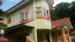 LOVELY 4 bedroom VILLA with Servant quarter and own compound