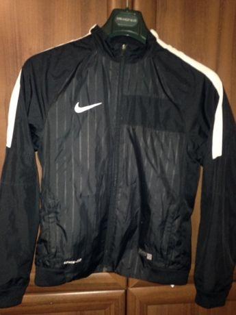 761cbcfaf719 Ветровка Nike футбольная.  400 грн. - Одежда для мальчиков Киев на Olx