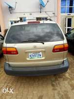 Very clean registered Toyota Sienna 2000 model