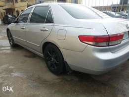 Neatly used Honda accord 2003 model