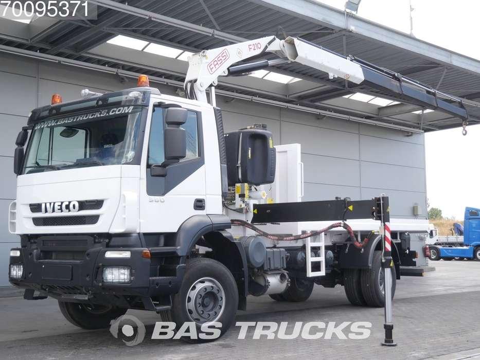 Iveco 380 4X2 FASSI F210A23 Crane