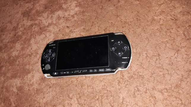 Psp with 10 games for sale Nairobi CBD - image 1