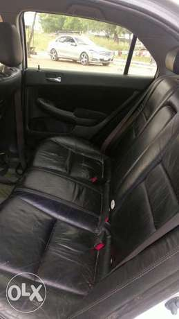 Very neat Honda accord 2003 with leather seat working perfectly. Ogbomosho North - image 3