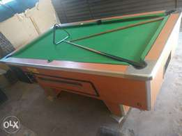 Pool table good condition (R1 slot)
