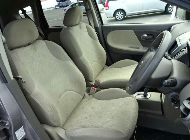 Nissan Note 1500cc. Arm rest automatic. DVD player Umoja - image 2