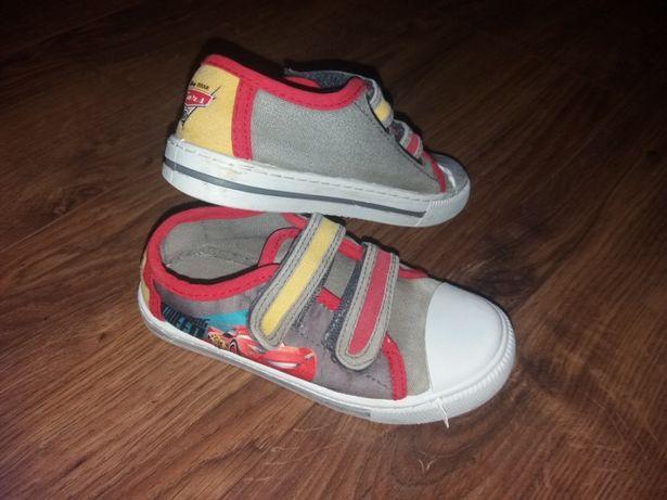 Кеди для хлопчика  120 грн. - Дитяче взуття Самбір на Olx 6c682232ce956