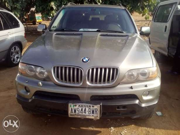 clean 2004 BMW X5 up for sale Gwarinpa - image 1
