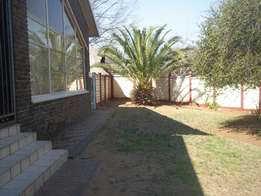 To Rent 4 bedroom house near KOLLEGE PARK Vanderbijlpark