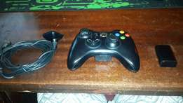 Xbox 360 remote + batterypack + plug and play cable