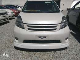 Toyota isis fully loaded with bodykit