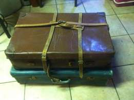 Vintage Brown Leather musician stage props case and old suite case