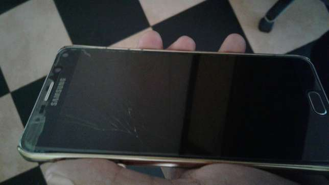 Note 5 cracked screen Nyali - image 4