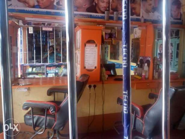 Kinyozi with Phone accesorie shop and mpesa for sale Githurai - image 1